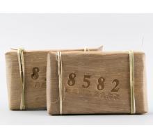 """Пуэр Шен с уезда Менхай """"8582"""" 2015 года 250 грамм в бамбуковых листьях"""